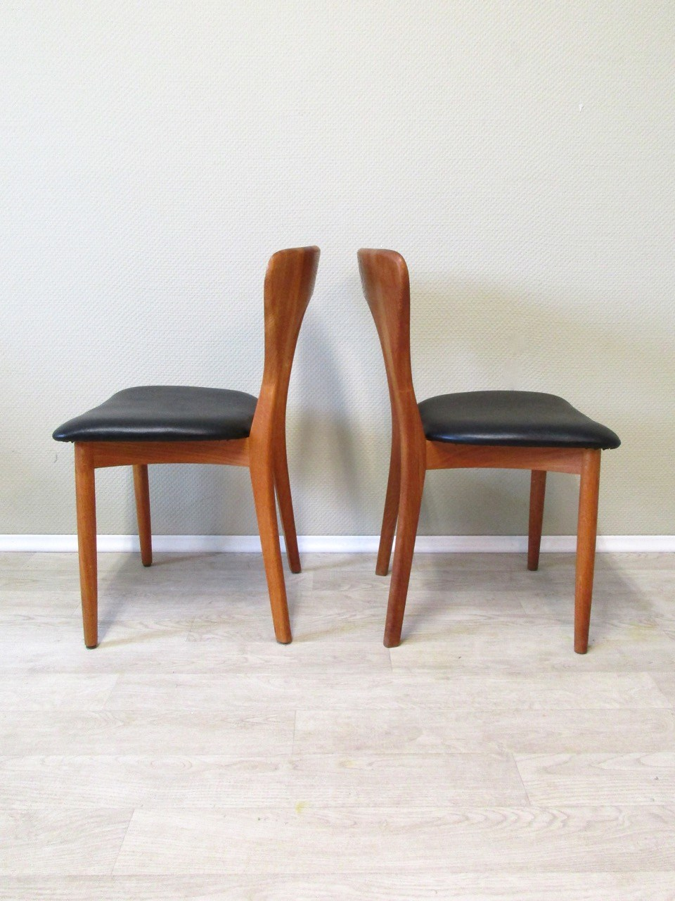 sold d nische dining chairs von niels koefoed retro salon cologne. Black Bedroom Furniture Sets. Home Design Ideas
