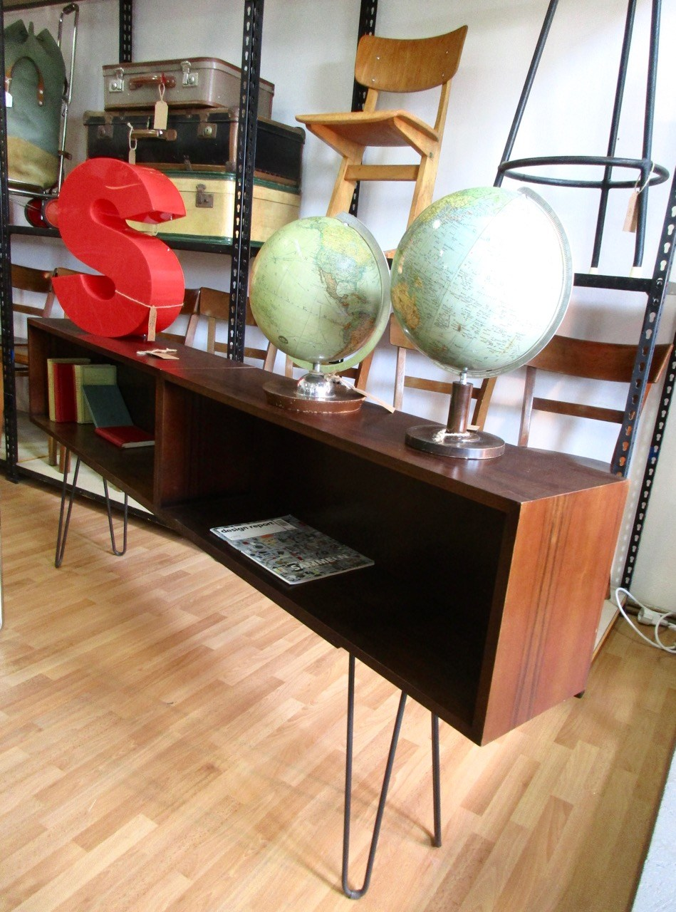 impressionen und eindr cke aus dem laden retro salon cologne. Black Bedroom Furniture Sets. Home Design Ideas