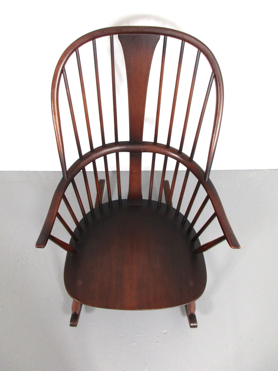 Schaukelstuhl rocking chair ercol england 3 retro salon for Rocking chair schaukelstuhl