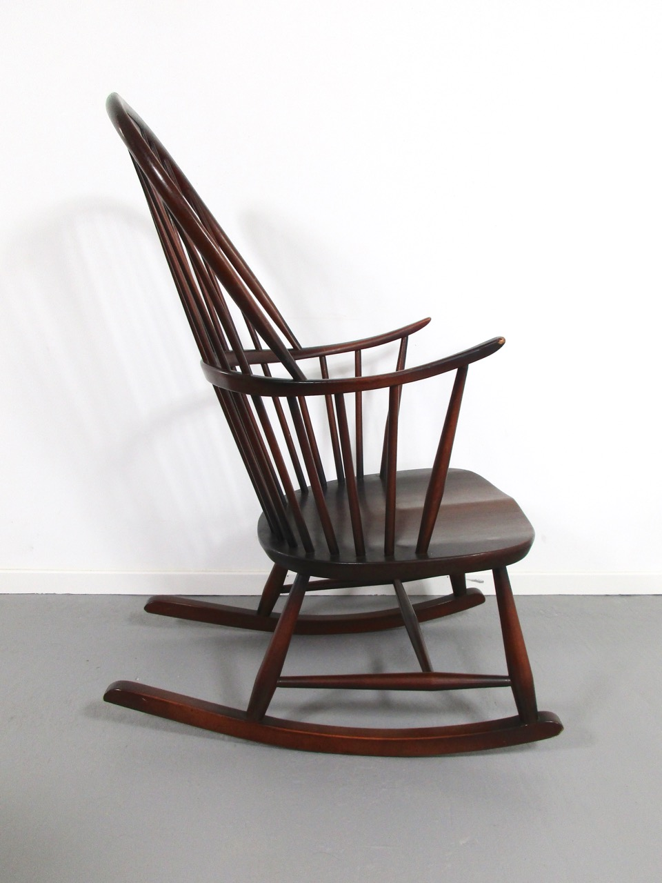 Schaukelstuhl rocking chair ercol england 7 retro salon for Rocking chair schaukelstuhl