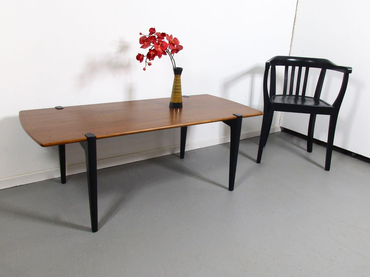 D nisch archive retro salon cologne for Designer couchtisch teak