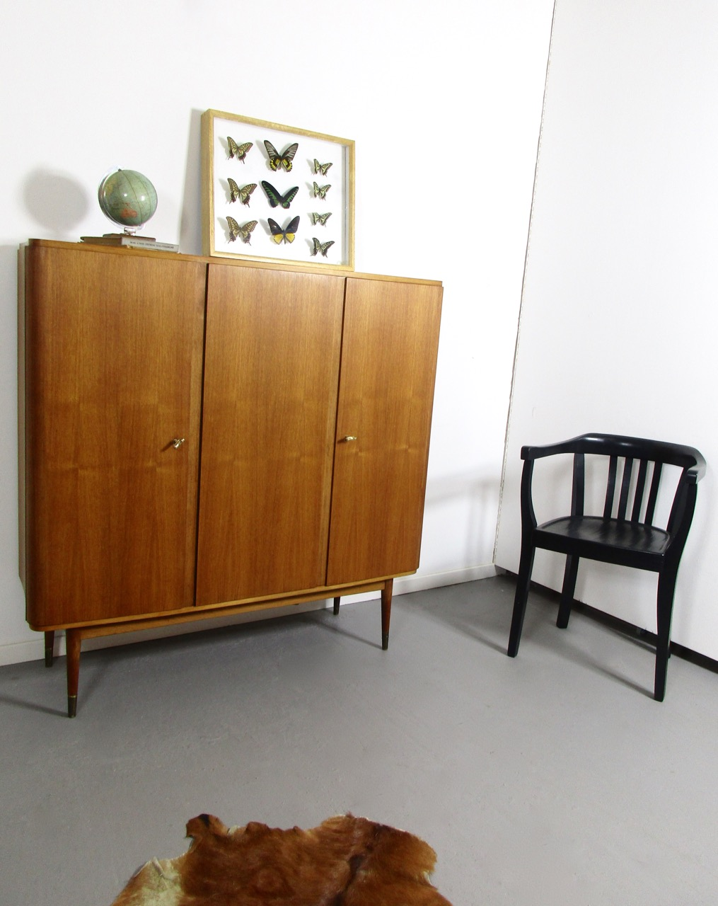 sold highboard nussbaum 60er jahre retro salon cologne. Black Bedroom Furniture Sets. Home Design Ideas