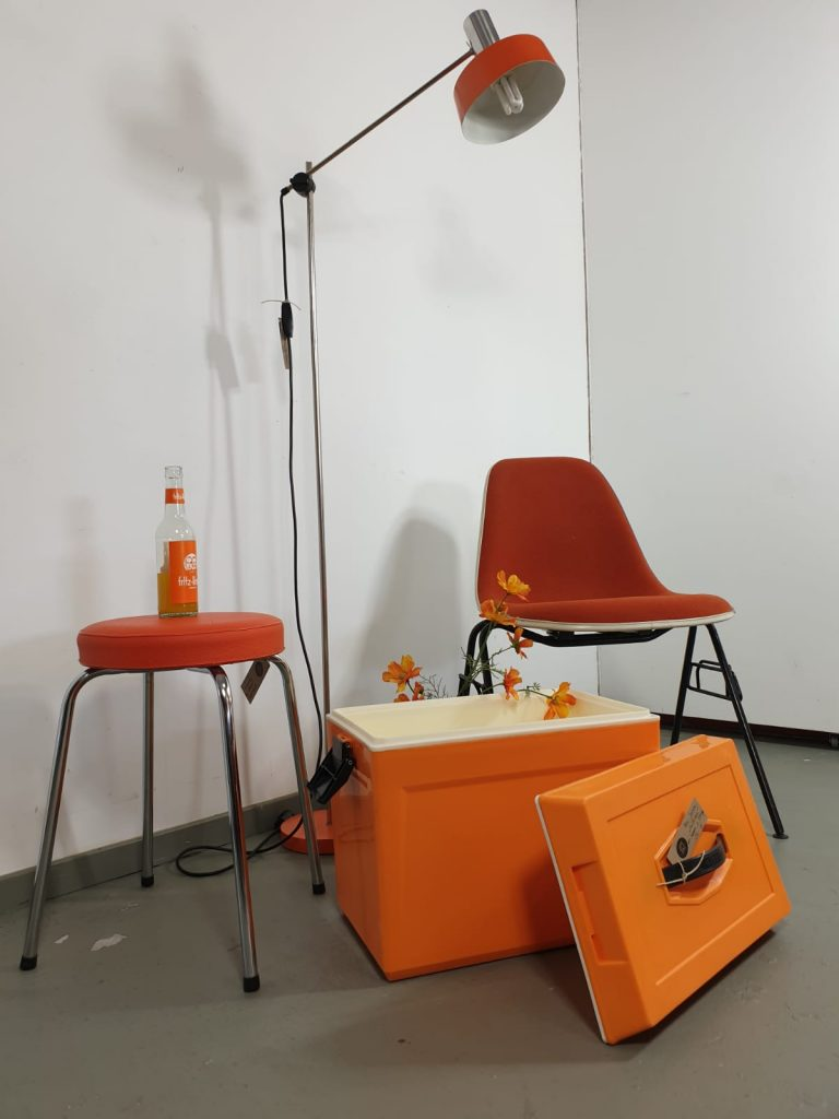 70er Jahre Orange Retro Salon Cologne